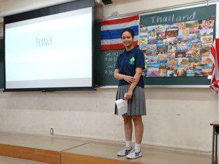 留学生による発表 ルイーズ